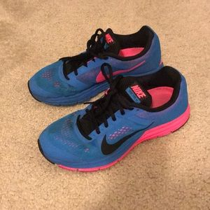 Nike Zoom Structure 17 Sneakers